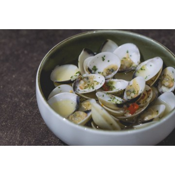 Garlicky Clams